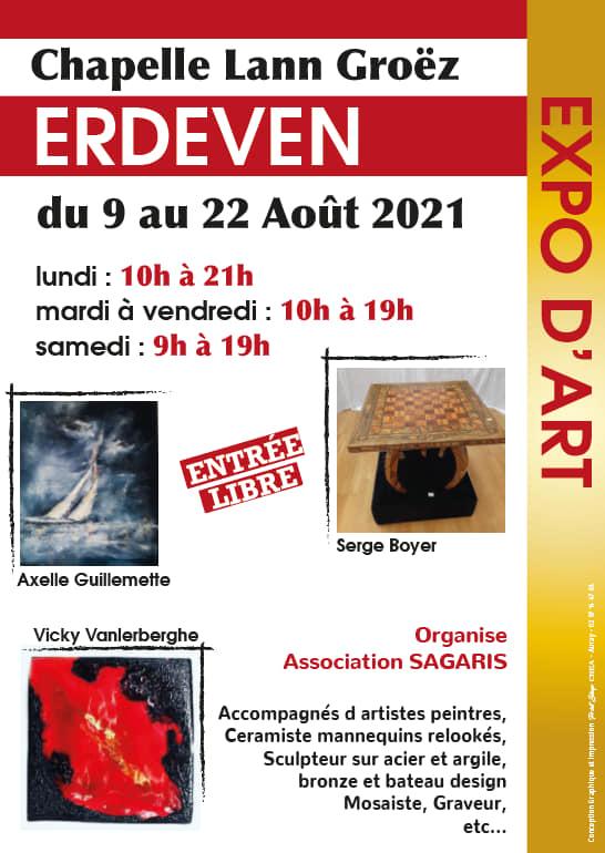 Exposition d'émaux à la Chapelle de Erdeven, Morbihan